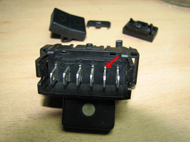 [TUTO] Changement ampoule bouton vitre electrique phase 1 Img_1374_cosse_sertie
